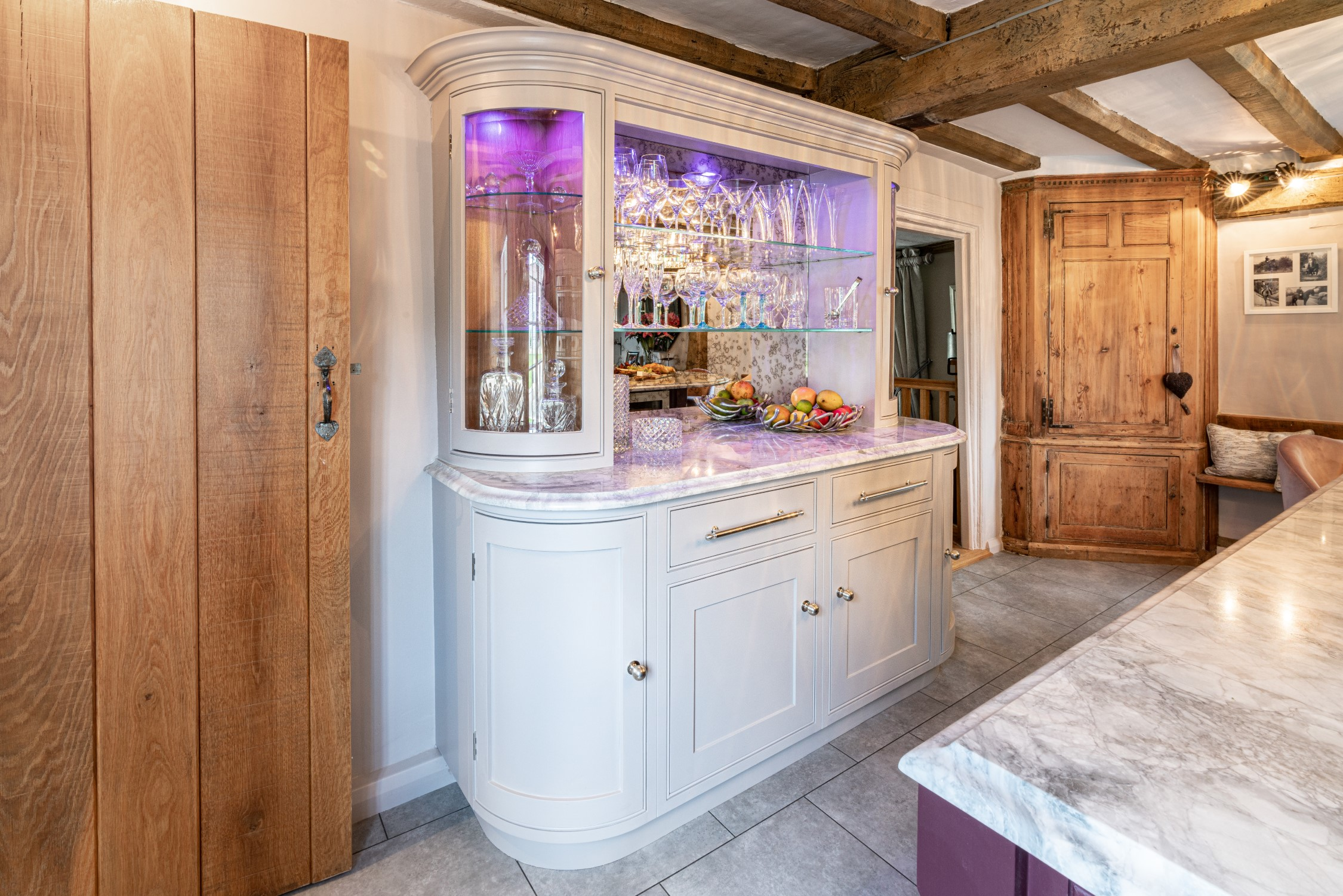 Curved Handmade Cabinetry A Smart Kitchen Design Nicholas Bridger