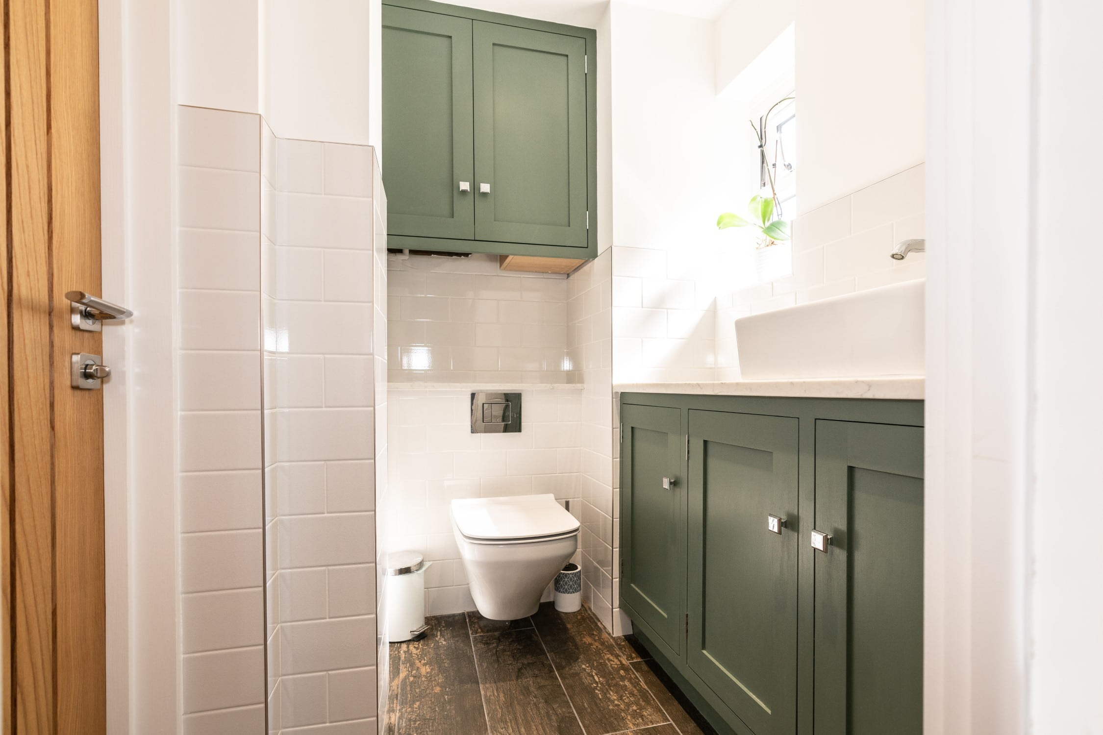 Introducing A Green Hue In The Bathroom Kitchen From Farrow Ball Nicholas Bridger