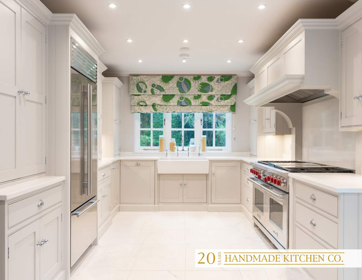 Astounding Bespoke Kitchens Luxury Kitchen Design Installation Home Interior And Landscaping Mentranervesignezvosmurscom