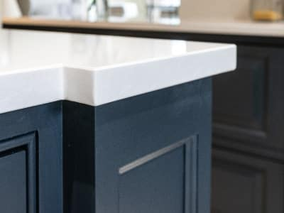 traditional shaker kitchen bump out quartz worktop